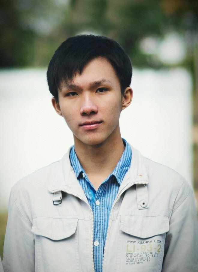 Tuấn Bảo, chàng nam sinh - họa sỹ vẽ bằng bút bi.