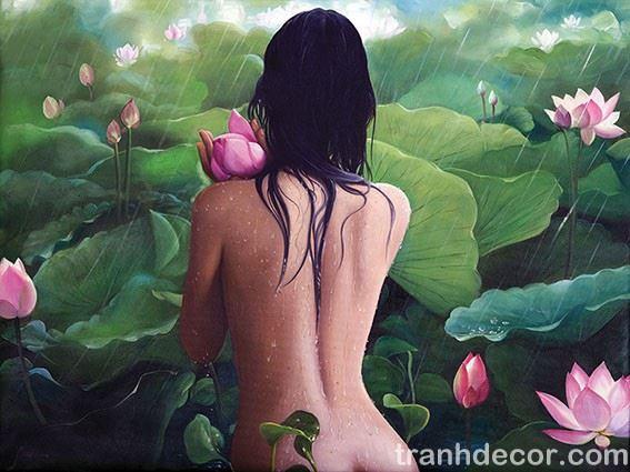 Tranh sơn dầu vẽ thiếu nữ khoả thân tắm mưa trong đầm sen